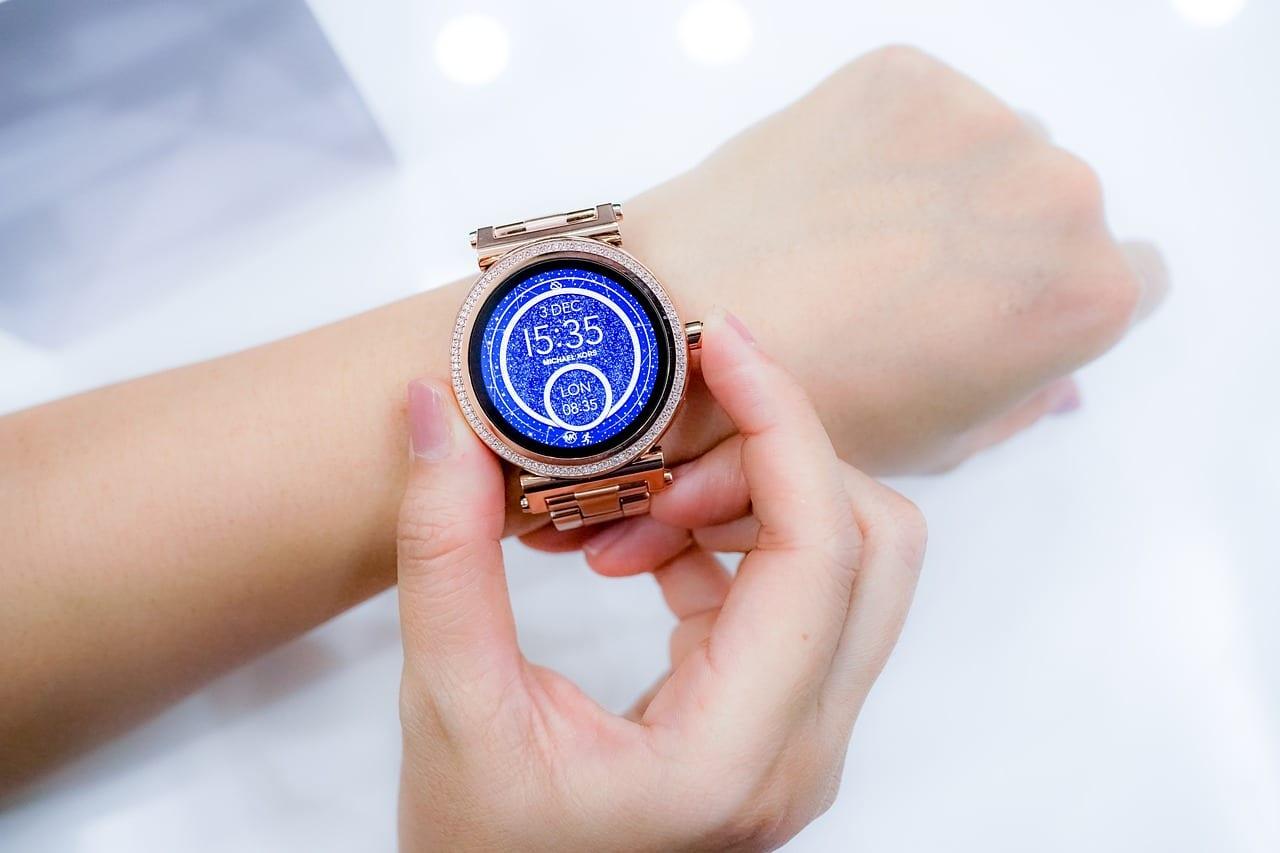 7 cosas que puede hacer un smartwatch y que no sabías
