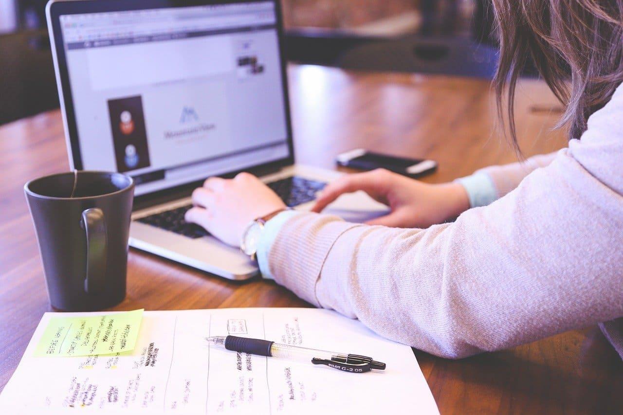 Ventajas de estudiar online: ¿Qué necesitas?